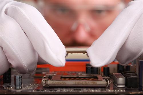 Dodávky hardware a software